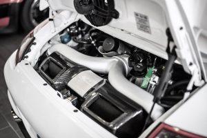 Motorraum eines Porsche